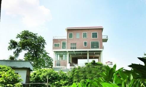 """空中别墅 配观景房游泳池  石碣东江边上有一栋显眼的框架建筑设计""""图片"""