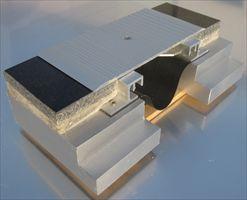 墙面盖板型变形缝_云南耐用的变形缝供应出