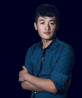 首席设计师冯楠