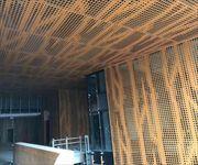 济南写字楼门厅入口不规则方孔铝单板方形
