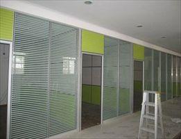 太原玻璃隔断安装制作-办公室百叶隔断高隔断