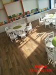 木纹胶地板幼儿园工程案例图