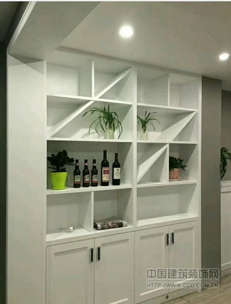 实木衣柜 橱柜 木门 榻榻米 楼梯 护墙板