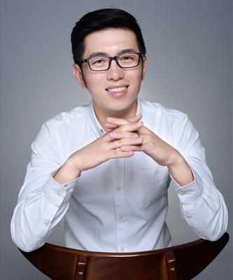 王 志 廷