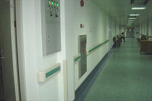 安装高度90厘米左右铝合金材质的走廊扶手