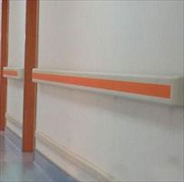 医院走廊上装的扶手