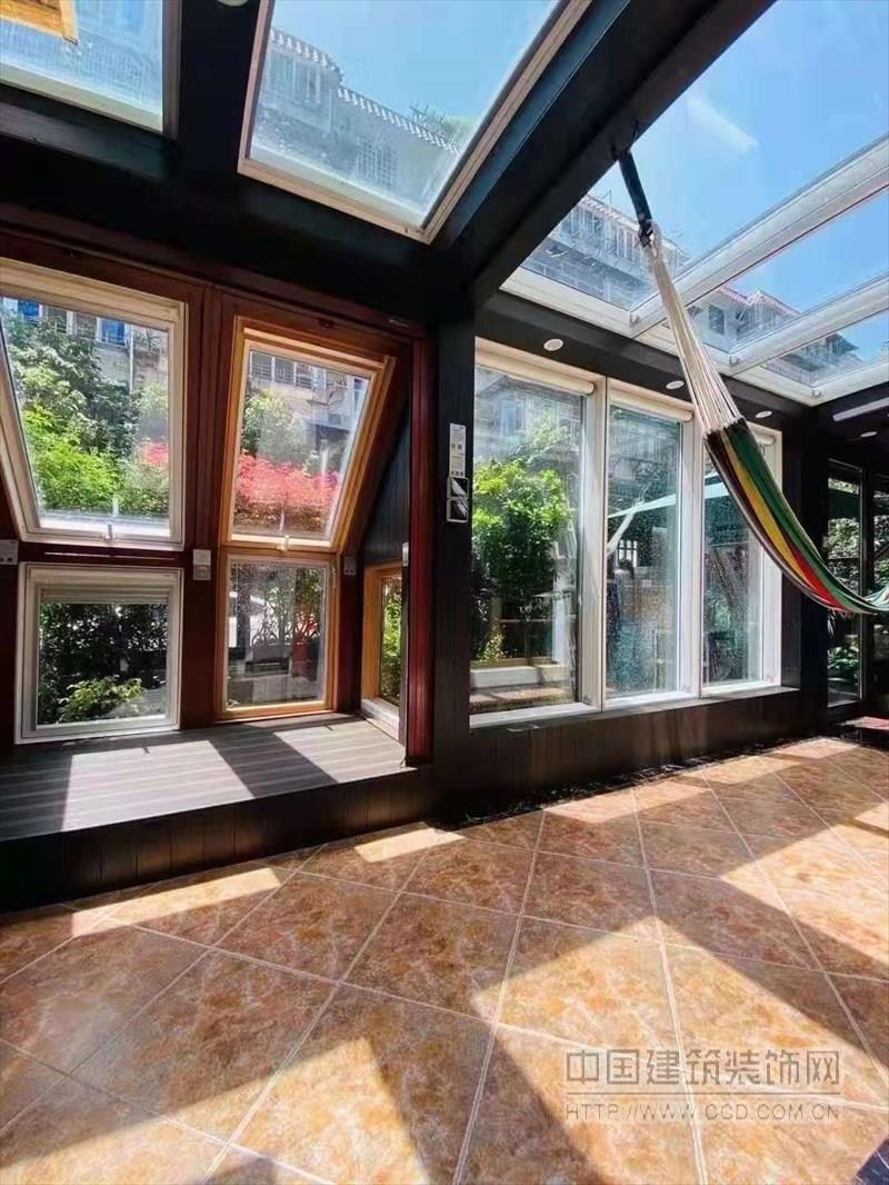 木铝型材 木铝门窗 阳光房