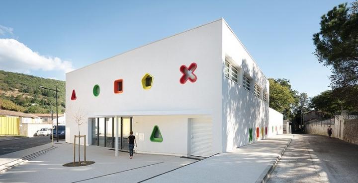 丰富的色彩和形状:法国充满童趣的托儿中心(组图)