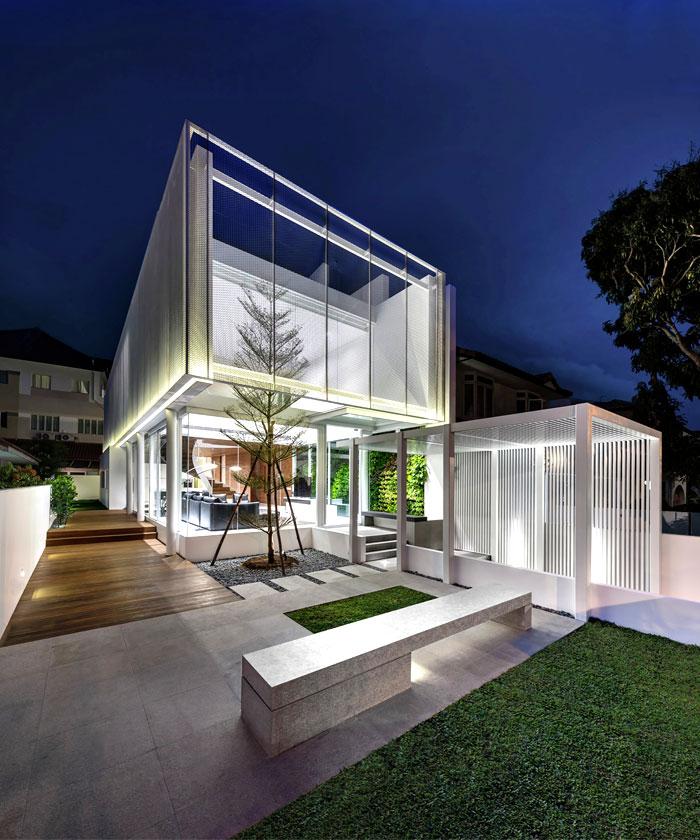 建筑欣赏:新加坡Greja透亮的玻璃别墅(组图)