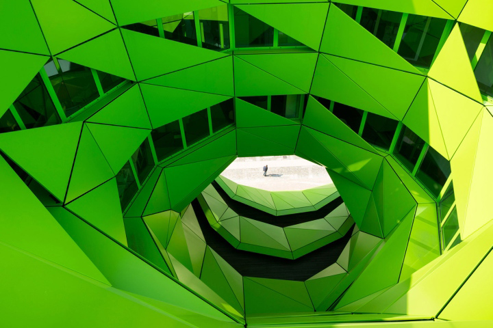 建筑欣赏:里昂EuroNews欧洲新闻电视台总部大楼(组图)
